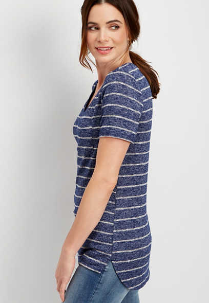 24/7 striped step hem v-neck tee