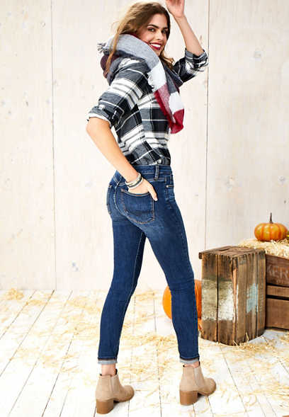 Silver Jeans Co.® dark wash mid rise jegging