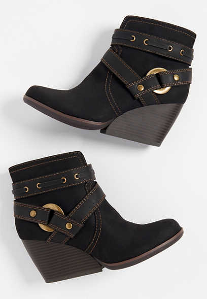 Casey big buckle wedge bootie
