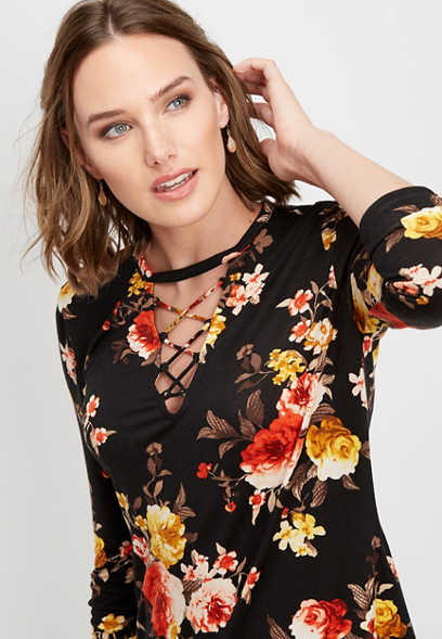 floral lattice neck tee
