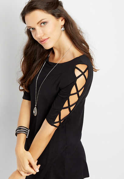 solid lattice sleeve tee