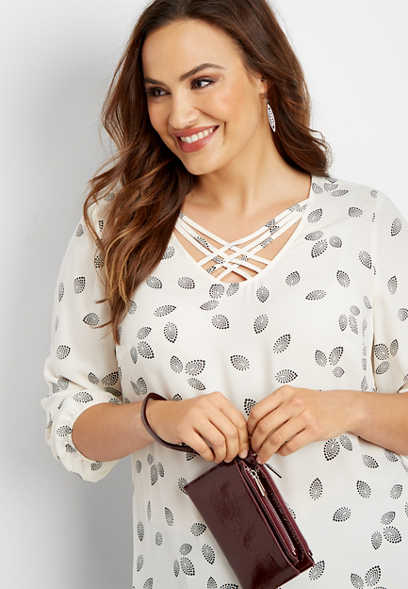 plus size daisy petal lattice neck blouse