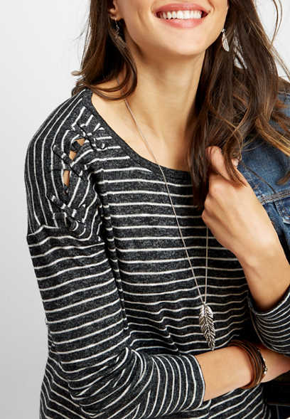 24/7 lattice shoulder stripe tee