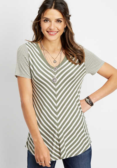 24/7 striped v-neck tee