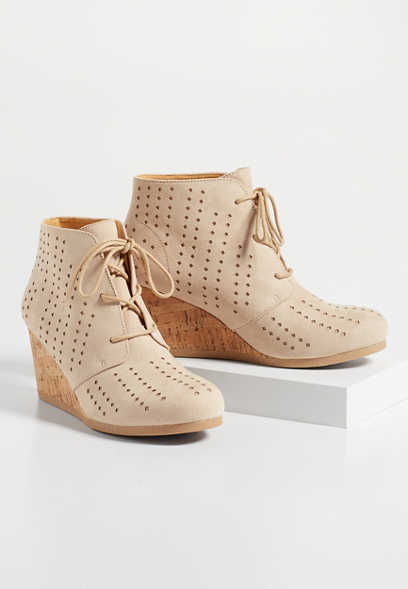 Tegan laser cut cork wedge