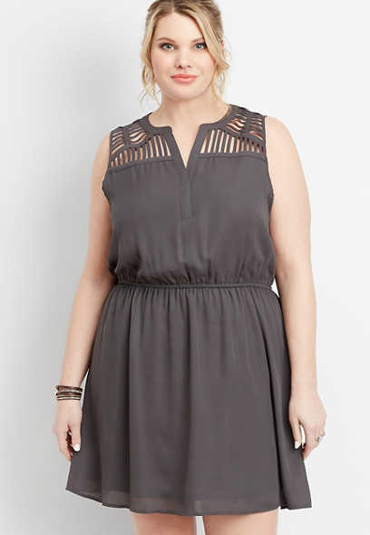 plus size lattice shoulder v-neck dress