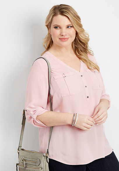 plus size solid v-neck two pocket blouse