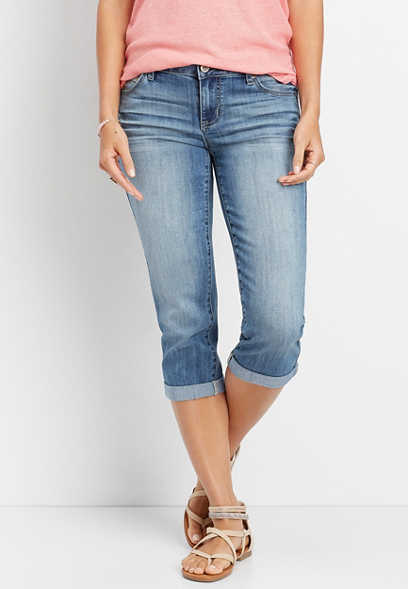 DenimFlex™ medium wash rolled hem capri