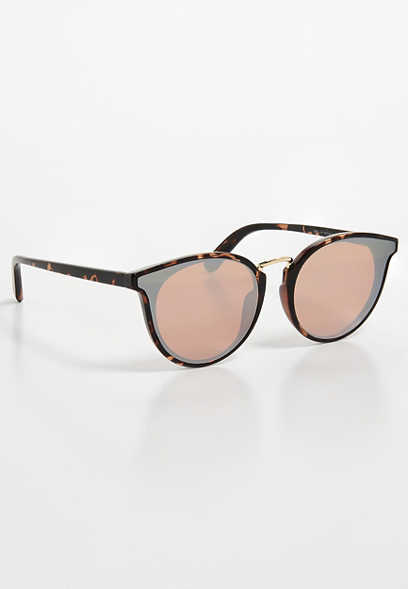 extended cat eye sunglasses