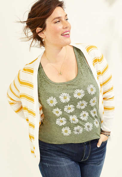 plus size daisy scoop neck graphic tank