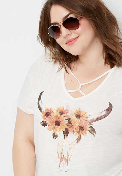 plus size longhorn lattice neck graphic tee