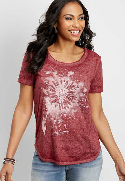 splatter daisy graphic tee