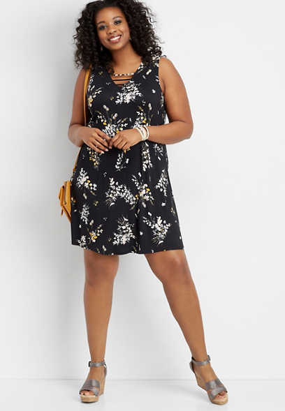 plus size 24/7 floral lattice neck swing dress