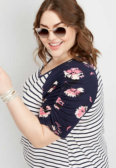 plus size 24/7 floral ruched sleeve tee