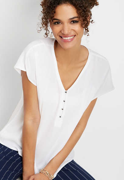 solid hook and eye v-neck top