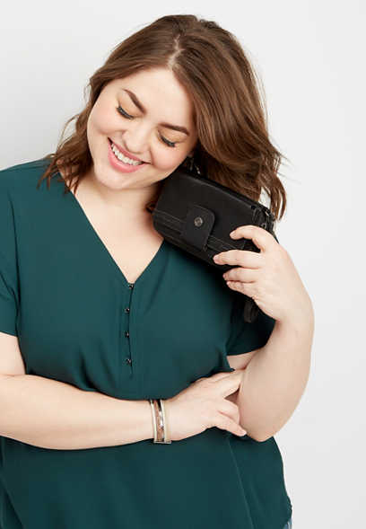 plus size solid hook and eye v-neck top