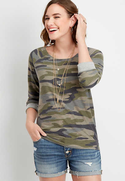 raw edge neck camo pullover