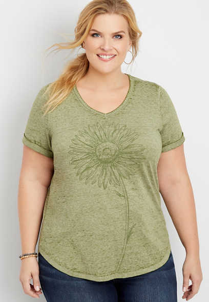 plus size daisy graphic tee
