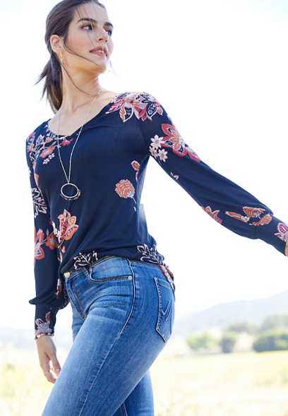 24/7 floral long balloon sleeve tee