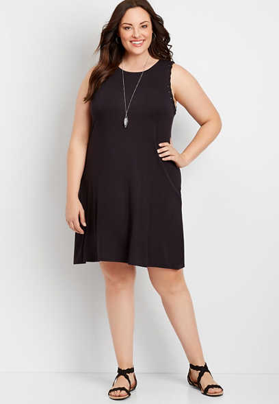 Plus Size 24/7 Solid Black Twisted Arm Shift Dress