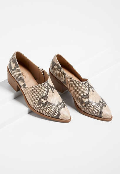 Amanda Snakeskin Stitch Low Side Shootie