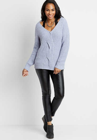 Solid Reversible Cable Knit Pullover Sweater
