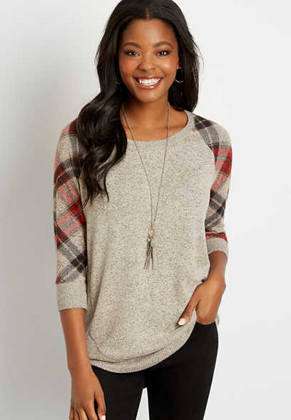 Plaid Sleeve Round Hem Pullover