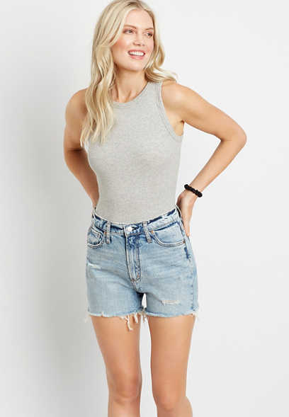 Silver Jeans Co.® High Rise Light Ripped 3in Short
