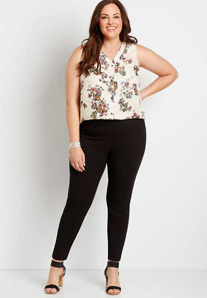 Plus Size Black Textured Bengaline Skinny Ankle Pant