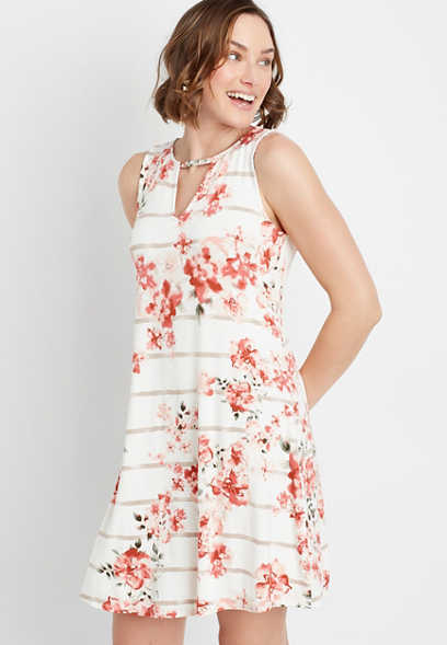24/7 White Floral Keyhole Shift Dress