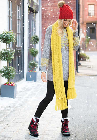 thick cable knit scarf with fringe