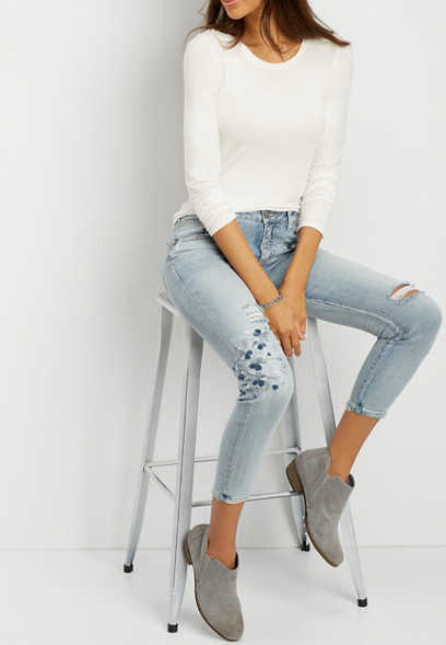 Silver Jeans Co.® Izzy high rise cropped skinny jeans with floral embroidery