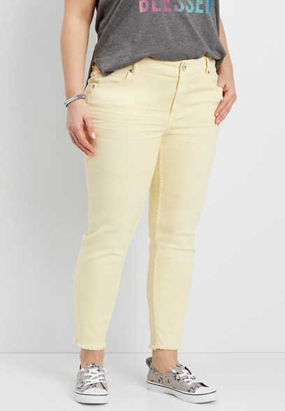 DenimFlex™ plus size cropped jegging in soft sunbeam with fray hem