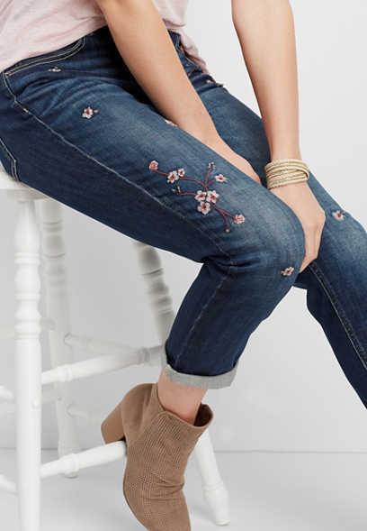 DenimFlex™ floral embroidered boyfriend jean
